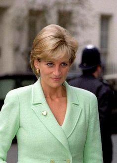 Lady Diana 1996. To me she seems supremely confident and sure of herself, very self assured in this picture.