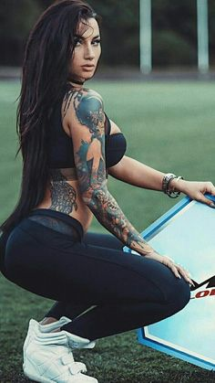 Get Inspired by tattoo girls Sexy Tattoos, Girl Tattoos, Angelica Anderson, Sexy Women, Hot Tattoo Girls, Geniale Tattoos, Femmes Les Plus Sexy, Fitness Tattoos, Daily Pictures