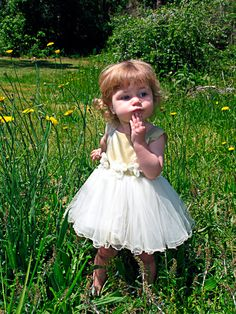 8 Simple Tips On Potty Training Your Child - Potty Training Tips Mom And Baby, Baby Love, Baby Baby, Feng Shui Paintings, Treasure Hunt For Kids, Gifs, Potty Training Tips, Nyc, Explosions