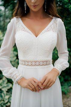 Big Wedding Dresses, Wedding Dress With Veil, Bridal Dresses, Dress Break, Simple Dresses, Wedding Styles, Designer Dresses, Dress Outfits, White Dress