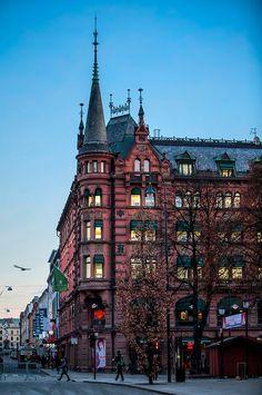 Dusk, Oslo, Norway photo via mauro