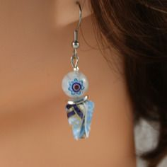 Boucles d'oreilles origami lotus bleus et perles millefiori