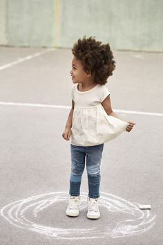 awesome forget coloring inside the lines. make your own lines. #gaptoschool... by http://www.polyvorebydana.us/little-girl-fashion/forget-coloring-inside-the-lines-make-your-own-lines-gaptoschool/