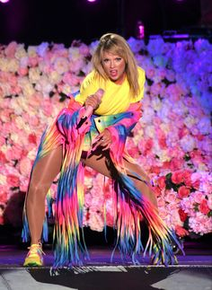 Taylor Swift Photo Gallery: Click image to close this window Taylor Swift Legs, Taylor Swift Album, Long Live Taylor Swift, Taylor Swift Pictures, Taylor Swift Style, Taylor Alison Swift, Red Taylor, Taylors, American Singers