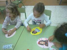 AVENTURA DIMINUTA: ¡BIENVENIDOS AL COLE! EL PERIODO DE ADAPTACIÓN EN EL GRUPO DE… Name Activities, Kids Rugs, Teacher, How To Plan, School, Primers, Ideas Para, Blog, 3 Year Olds