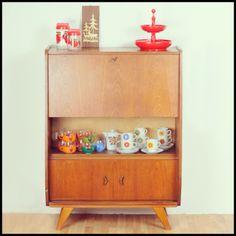 Leuk vintage jaren 60 kastje! www.meneerenmevrouwdeboer.nl