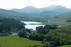 Capel Curig - 25 places in Wales that look like they're straight out of a fairytale - Wales Online Anglesey, Snowdonia, Cymru, Heaven On Earth, Beautiful Images, Wales, Fairy Tales, Places To Visit, To Go