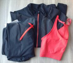 Fabletics Clothing Subscription Review – December 2013