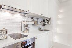 Diseños de Cocinas en Madrid #Línea3cocinas #cocinasblancas #campanasintegradas
