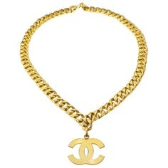 Preowned Chanel Large Cc Necklace/belt ($2,800) ❤ liked on Polyvore featuring jewelry, necklaces, chain necklaces, orange, yellow gold charms, gold chain jewelry, yellow gold chain necklace, gold charms and charm necklace
