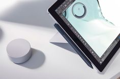 Descubre con Alejandro Rivers el nuevo Microsoft Surface Pro - Esquire