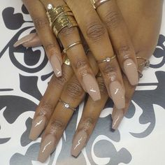 Red coffin nails on brown skin. Dark Nude Nails, Neutral Nails, Love Nails, My Nails, Style Nails, Classy Hair, Brown Nail Polish, Polish Nails, Nude Nail Polish For Dark Skin