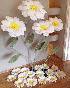 Квіти для декору вашого свята #цветыизбумаги #цветынасвадьбу #цветыназаказ #большиецветы #паперовийдекор #паперовіквітильвів #квітизпаперу…