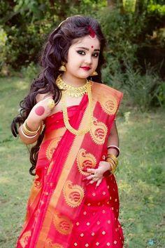 Waru 💗 Bengali look Kids Saree, Kids Lehenga, Cute Baby Girl Pictures, Cute Girl Pic, Baby Girl Photography, Kids Fashion Photography, Baby Boy Dress, Baby Girl Dresses, Indian Baby Girl