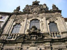 The facade of the Misericórdia Church in Porto.