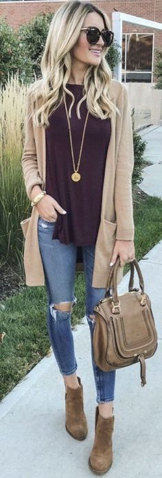 Easy early spring style - an open cardigan, flowy top and distressed jeans is spring outfit perfection!