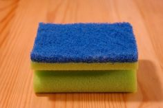 Kitchen sponge proves to be dirtier than toilet - The Greek Observer Cleaning Items, Deep Cleaning, Household Items, Cleaning Hacks, Korn, Vinyl Shutters, Kitchen Sponge, Useful Life Hacks, Everyday Items