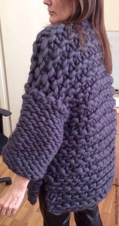 Верхняя одежда ручной работы. Ярмарка Мастеров - ручная работа. Купить жакет… Giant Knitting, Arm Knitting, Sweater Knitting Patterns, Knitting Designs, Chunky Knit Cardigan, Chunky Wool, Crochet Jumper, Knit Crochet, Différents Styles