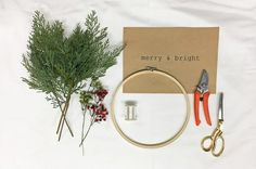 テグスでお手軽DIY刺繍枠で作るクリスマスリースby ARCH DAYS編集部