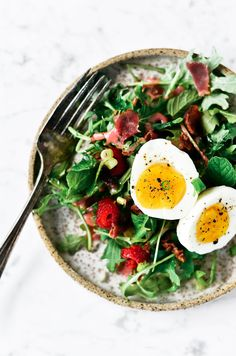 Easy whole30 breakfast plate. 10 min prep. Best whole30 breakfast recipes. Easy whole30 lunch ideas. Easy Whole30 dinner recipes. Whole30 meal that's quick and healthy! Whole30 recipe just for you. Whole30 meal planning. Whole30 meal prep. Healthy paleo meals. Healthy Whole30 recipes. Easy Whole30 recipes. Easy paleo dinners. Easy paleo breakfast on the go.