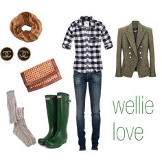 green hunter wellies, great for rainy days in the city!