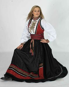 Similar to the norsk dance costumes I had as a child. Medieval Dress, Folk Costume, Oslo, Traditional Dresses, Dance Costumes, Norway, Ethnic, Child, Skirts