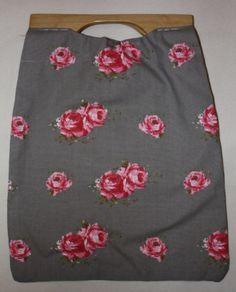 Veske Skirts, Fashion, Moda, Fashion Styles, Skirt, Fashion Illustrations, Gowns, Skirt Outfits