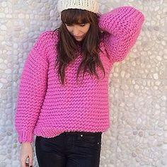 Pink wool boxy & cream basic beanie. Winter is here! Pic by @sarafoxandco #wool #boxy #handmade #fashion #heartworking #knitwear #australia #ilovemrmittens