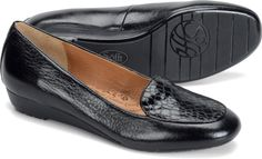 Sofft Sofia in Black. I need new comfy loafers, but they're so hard to find. Most tear up my heels. -_-
