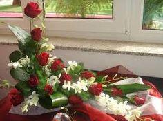 Znalezione obrazy dla zapytania arranjos florais para igrejas com rosas
