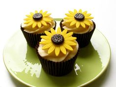 Fondant Sunflower | Royal Cakes Decor
