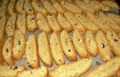 Biscotti type greek rusks made with olive oil. Greek Sweets, Greek Desserts, Greek Recipes, My Recipes, Cooking Recipes, Favorite Recipes, Recipies, Biscotti Cookies, Biscotti Recipe