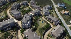 For a coastal or golfing holiday that is guaranteed to be both luxurious and memorable, Pinnacle Point Beach & Golf Resort provides the highest standard. Kruger National Park, National Parks, Port Elizabeth, Sun City, Table Mountain, Pretoria, Most Beautiful Cities, Holiday Destinations, Cape Town