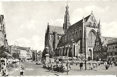 Haarlem 1960 - Grote Markt met kerk Vintage Photographs, Rotterdam, New York City, Dutch, New York Skyline, Cathedral, Street View, Europe, Black And White