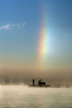 Color Theory Therapy| Serafini Amelia| Sun Dog and Lighthouse Duluth Minnesota