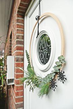 DIY Weihnachtsidee zur Adventszeit | Mein minimalistischer Türkranz... oder aus den Leben eines Adventslemmings | luziapimpinella.com