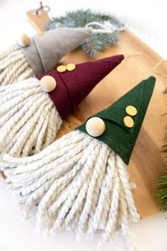 Gnome Ornaments, Christmas Ornament Crafts, Christmas Projects, Kids Christmas, Handmade Christmas, Holiday Crafts, Xmas Crafts To Sell, Scandinavian Christmas Decorations, Felt Christmas Decorations