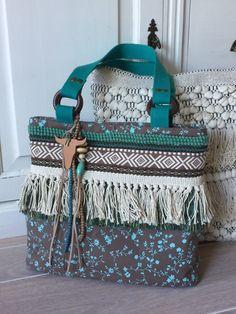 Great tote handbag with Navajo ribbon!