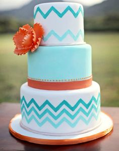 This bright cake is perfect for any beach wedding.