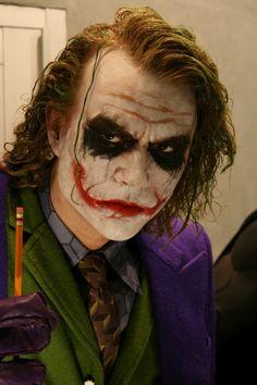 Amazing Life-Size Heath Ledger Joker Statue