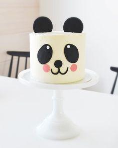 15 Panda Cake Ideas That Are Absolutely Beautiful Panda Birthday Cake, Pretty Birthday Cakes, Birthday Cake Girls, Cake Designs For Kids, Cake Decorating Designs, Bolo Panda, Panda Cupcakes, Patisserie Fine, Fondant Cake Designs