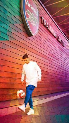 Mesut Ozill at training ground - London Colony Arsenal Football, Arsenal Fc, Orlando City, Football Wallpaper, Real Madrid, Premier League, Soccer, London, World