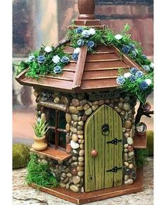Fairy House / Fairy House with Lights / Outdoor Fairy House / Fairy Garden House Fairy House with lights. This whimsical little fairy house would be perfect for any fairy garden or placed in with a potted plant. It would also look nice in a child's room a Clay Fairy House, Fairy Garden Houses, Gnome Garden, Fairy Crafts, Garden Crafts, Garden Art, Garden Ideas, Indoor Garden, Fairy Furniture