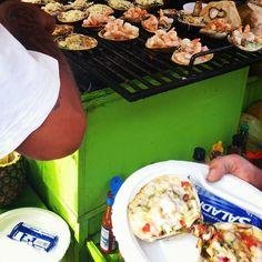 Las almejas gratinadas son toda una tradición, pruébalas en tu visita a La Bufadora #Ensenada  Aventura por ju.li.schka #clams #grill #cheese #seafood #tasty #delicious #Bajafood #Mexico #Baja #Bc #travel #trip