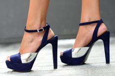 Sandalias de tacón peep toes de ante azul marino y detalle plata. Modelo Alexandra - Mas34 - mas34shop