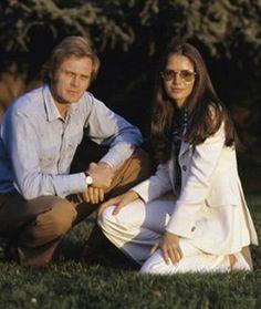 Jaclyn Smith & Roger Davis, circa 1968  (Jaclyn's first hubbie)