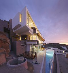 Veronica Beach House x Longhi Architects | MR.GOODLIFE. - The Online Magazine for the Goodlife.
