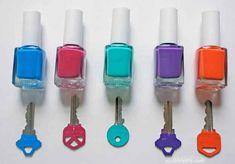 Chaves pintadas com esmalte de unha | 50 objetos que você mesmo pode fazer para organizar toda a sua vida