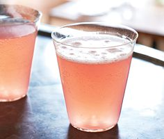522 North Pinckney Cocktail  2 cups fresh pink grapefruit juice (from 2-3 grapefruits) 1/2 cup St-Germain (elderflower liqueur) 1/4 cup Campari 1 750-milliliter bottle chilled sparkling wine