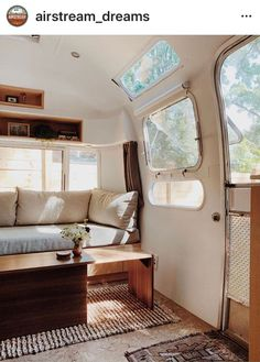 caravan renovation ideas 762445411899083542 - Cool 46 Elegant Airstream Decorating Ideas For Comfortable Holidays Trip Source by lovelyhomishcom Airstream Bambi, Airstream Vintage, Airstream Land Yacht, Airstream Living, Airstream Remodel, Airstream Renovation, Caravan Vintage, Airstream Interior, Trailer Interior
